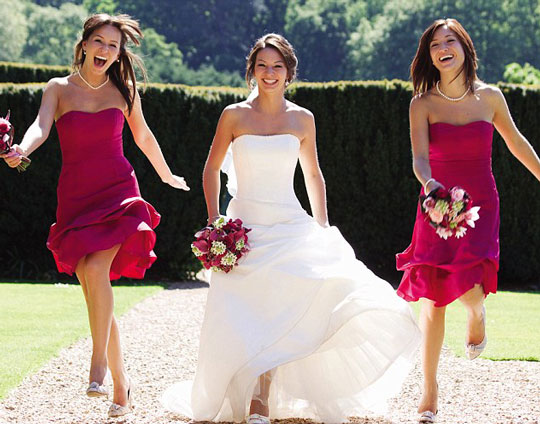 Robe de soirée fourreau fuchsia bustier pour témoin mariage