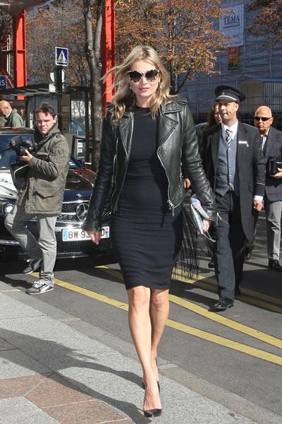 Petite robe noire fourreau ordinaire