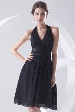 Petite robe noire simple col américain