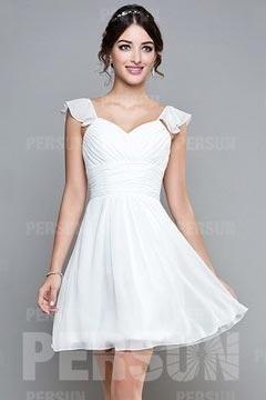 Robe blanche plissée dos échancré en U à mancherons courte au genou