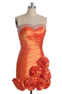 Robe de soirée chic rouge moulante bustier cœur strassé à fleurs