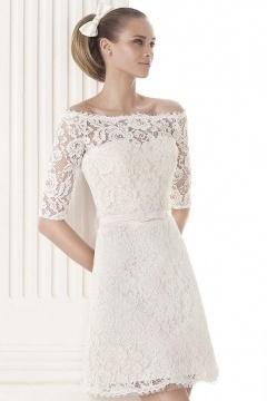 Robe de soirée courte blanche pour mariage col bardot en dentelle