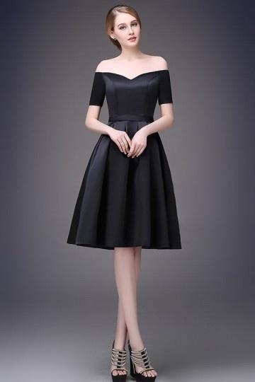 Robe de soirée noire courte simple épaule dénudée