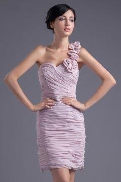 Robe fourreau lilas courte asymétrique orné de fleur pour mariage