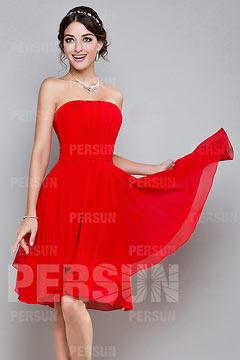 Simple robe chic rouge pour soirée bustier droit